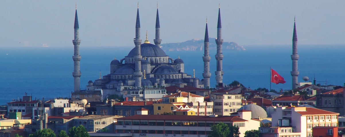 Located In The Capital Of Turkey Istanbul Is Most Photogenic And Picturesque Mosque Blue It One Best Historical Places