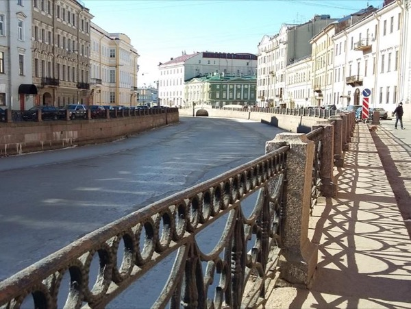Three-days private Shore Tour for Cruise Ship passengers in Saint-Petersburg with your own guide and car/driver.