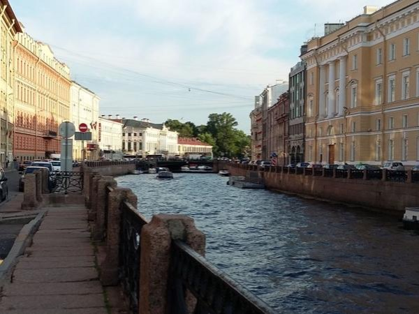 Flexible private walking tour with your own guide in Saint-Petersburg