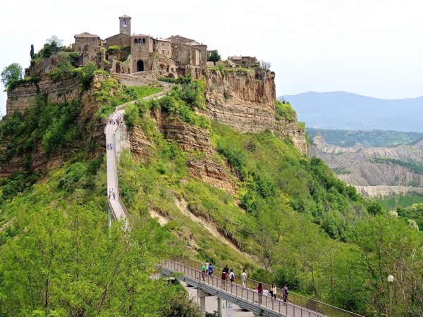 Day Trip to Orvieto & Civita di Bagnoregio ( The dying city )
