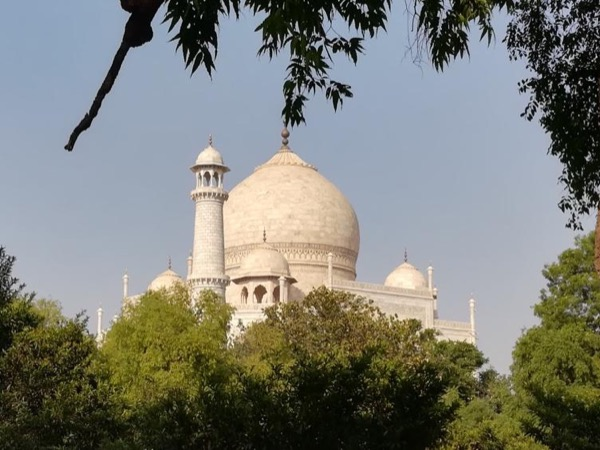 Sunrise and Sunset Tour of Taj Mahal with Skip the Line Entry