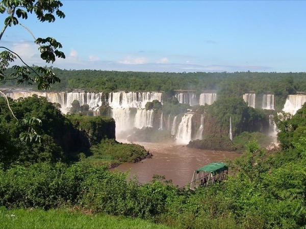 Private Iguazu Falls tour in Brazil and Argentina