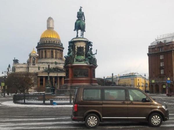 Winter visit to Saint Petersburg. Low season offer !