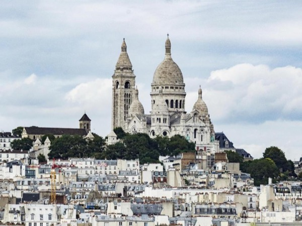 Montmartre and all its charm - private walking tour!