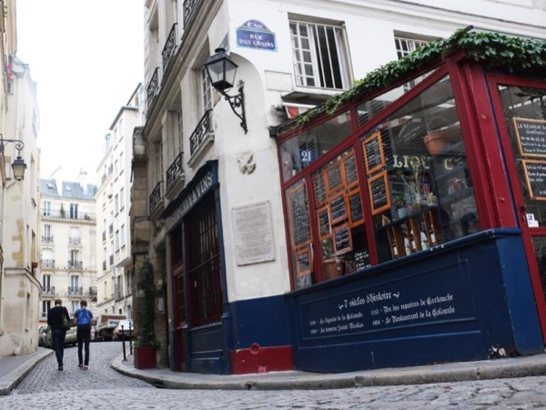 Old, old charming Paris! - private walking tour