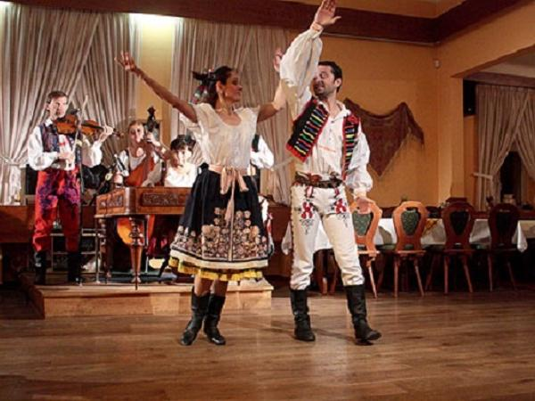 Traditional Czech Folk Show and Meal - With Unlimited Drinks! Private tour
