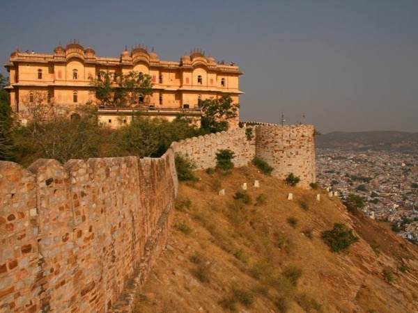 Private Tour of Three Forts of Jaipur by Car : Amber Fort, Jaigarh and Tiger Fort