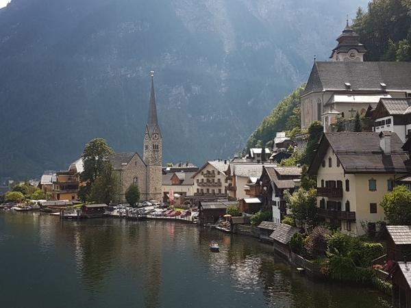The lakes with Hallstatt Full day Tour with a licensed Austriaguide