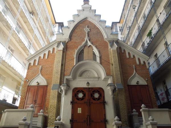 Full day Jewish Heritage Tour of Budapest through authentic Jewish eyes