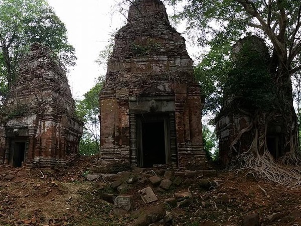 Beng Mealea and Koh Ker Tour