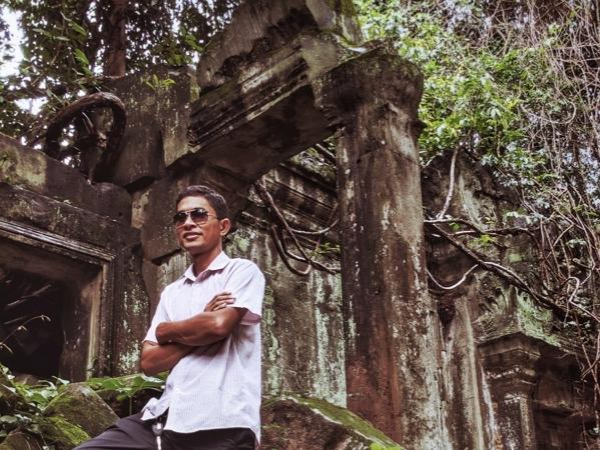 Private tour guide Chamrong