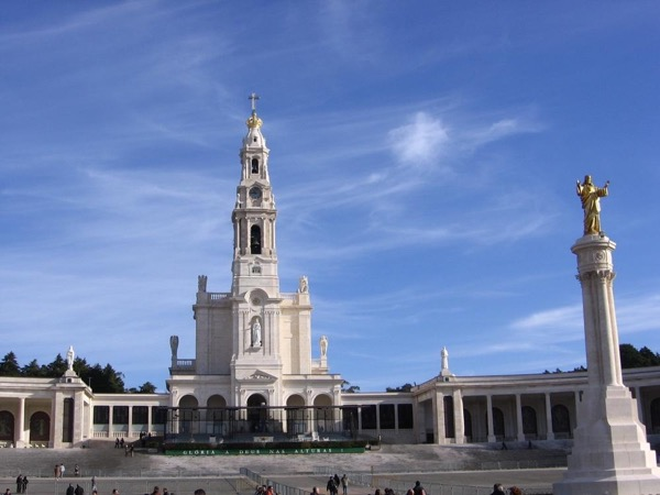 Feel Fátima's Mystical Strength - The Altar of The Christian Faith