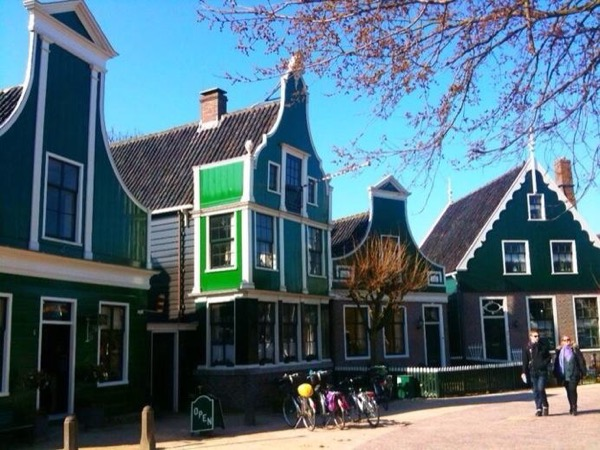 Typical Dutch - Amsterdam and Countryside (8 hours private tour)