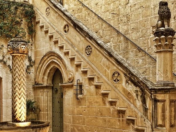 Noble Palaces and Private homes of Malta