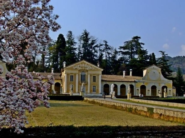 Palladian villas: Villa Barbaro and Villa Emo