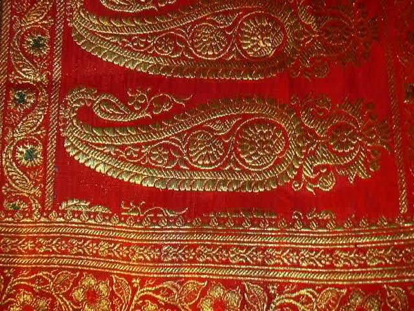 TOUR Tantuvi familarises with famous Indian Textiles andCrafts