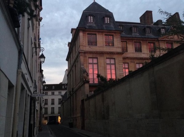 A walk through Marais