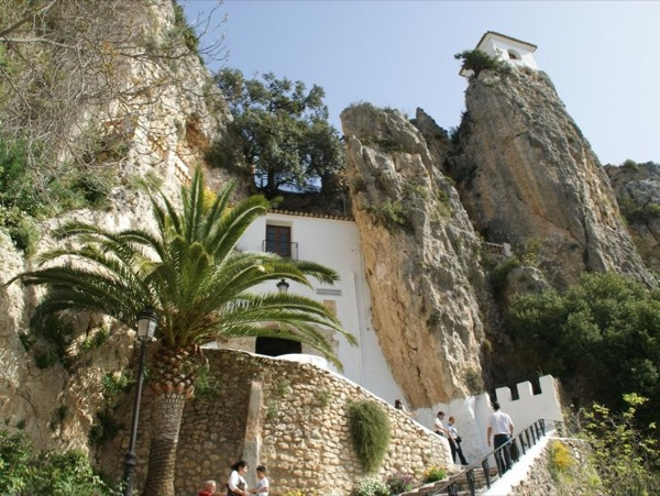 Guadalest lost valley + Altea with transport from Benidorm up to 6 people