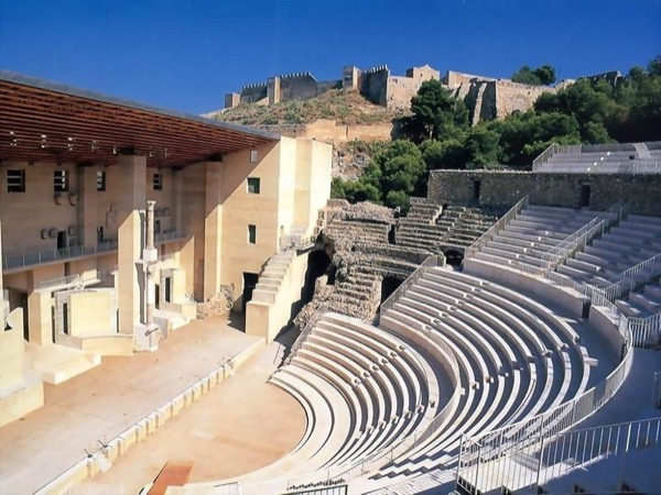 Valencia and Sagunto 6h shore excursion with private transport up to 6 people