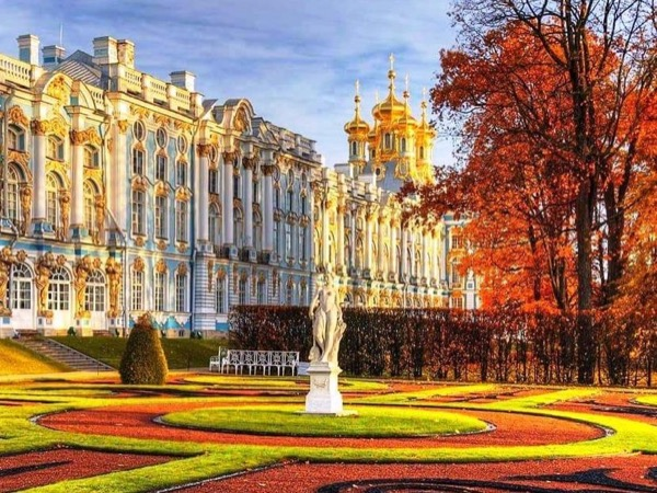 Imperial Suburbs: Peterhof & Catherine Palaces Day Tour.