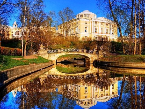 Imperial Suburbs: Pavlovsk & Catherine Palaces Day Tour.