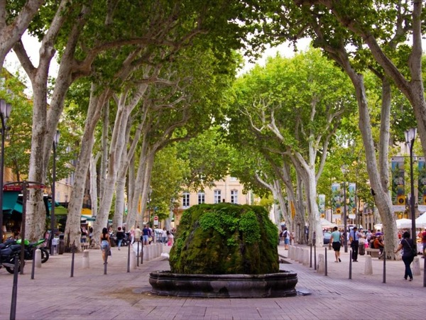 Marseille and Cassis or Aix-en-Provence 6-hour Private Tour