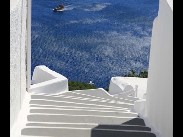 Santorini-Made to please Private Tour