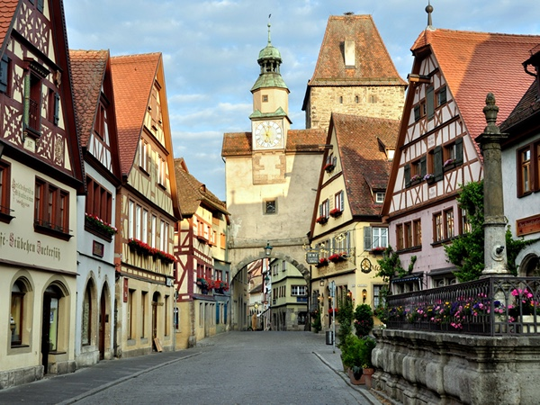 Rothenburg: Germany's Fairy-Tale Dream Town Private Tour