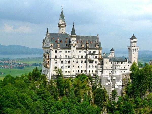 Neuschwanstein Castle Private Tour from Frankfurt
