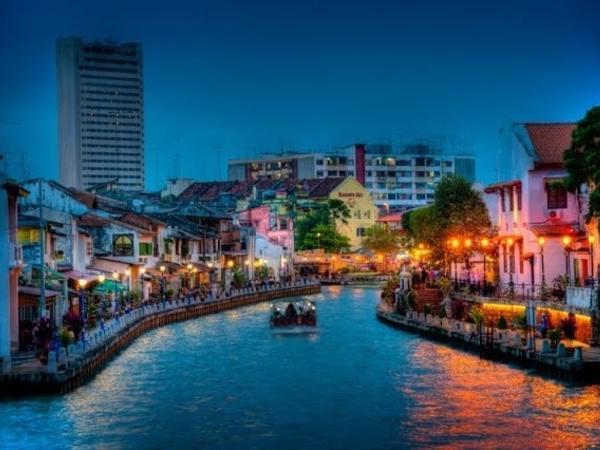 Malacca Historical Night Walk + River Cruise