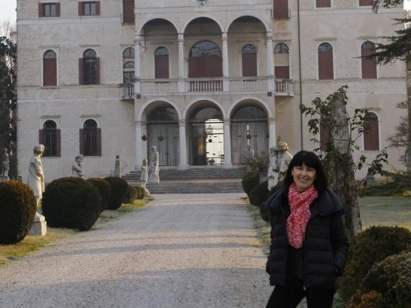Private tour guide Isabella