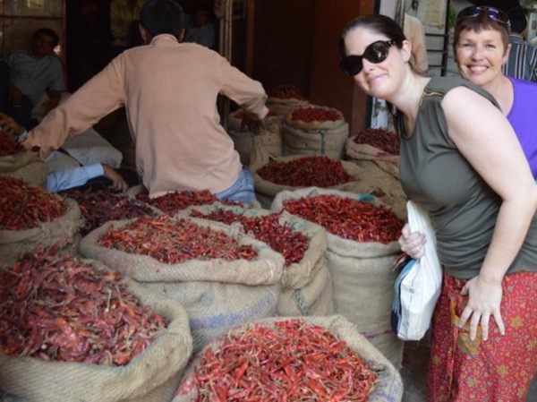 Half Day Private Spice Market with Old Delhi Resident & Masterji Kee Haveli Visiting Experience