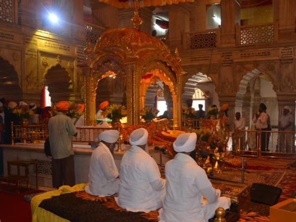 Private tour guide Dhruv