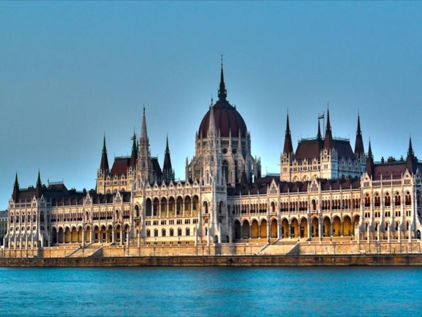 Best Budapest Private City Tour by Van for up to 6 people Full Day (6 hours)