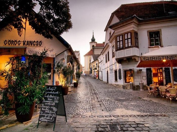 Szentendre by private car - a charming town in the Hungarian countryside near Budapest (in 3 to 4 hours)