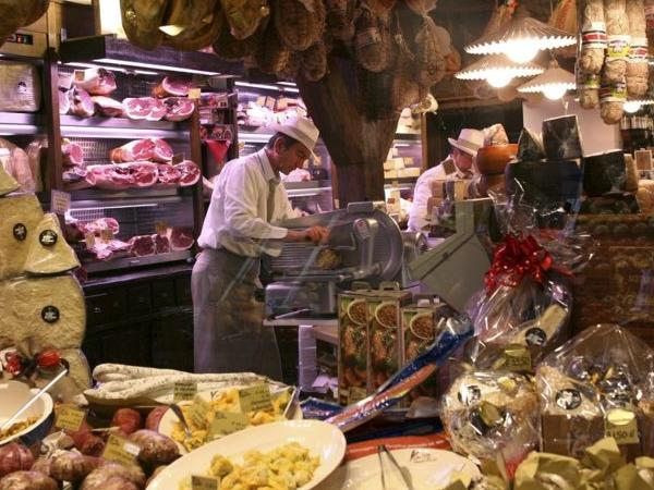 BOLOGNA: City centre and Food tour - (classic city centre and food Tour only morning or afternoon)