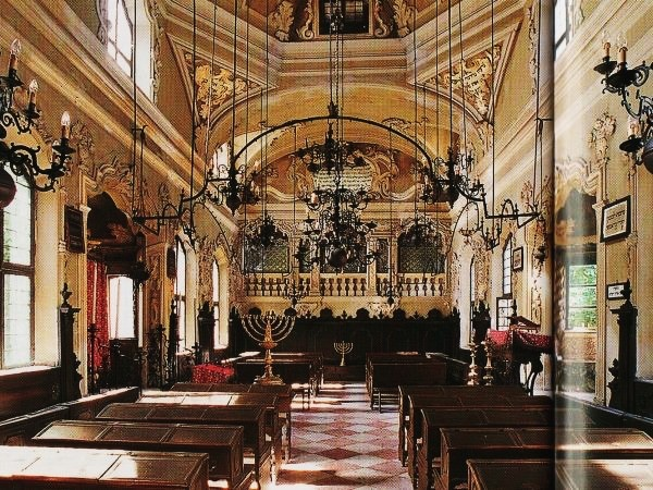 MANTUA: Jewish Mantua guided tour (City Centre, old Ghetto, Synagogue and Jewish cemetery)