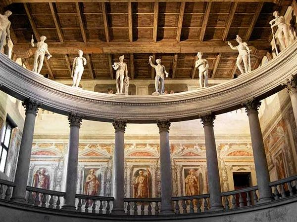 SABBIONETA (Mantua Province): city centre, Giardino and Ducal palaces, theatre and synagogue guided tour
