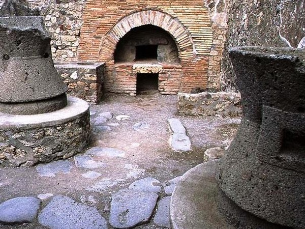 Pompeii with an Archaeologist - 3 hours tour - private walking tour