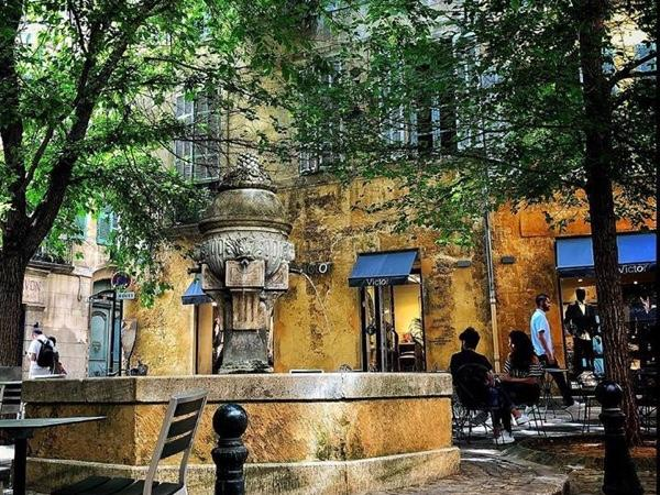 Discover Provence with a certified guide - Private tour
