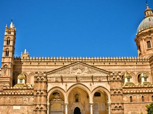 Palermo City Wonders: half-day tour with a Local Guide!