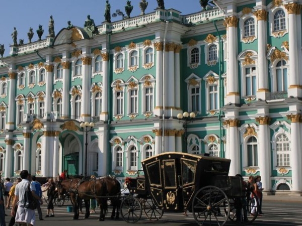 Visa-free 2 day Shore-Excursion with a trip to Peterhof