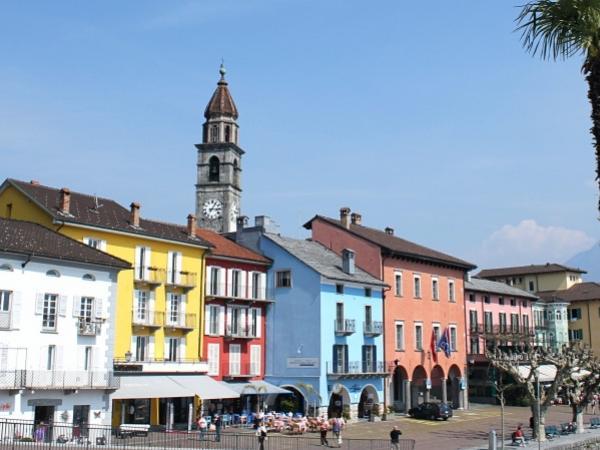 UNESCO Heritage in Bellinzona and biking to Lake Maggiore