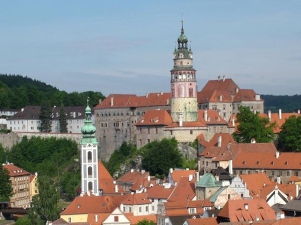 Economic full-day excursion to of Cesky Krumlov, Castle visit included