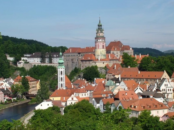 Quick Private Tour of Cesky Krumlov Old Town and castle courts