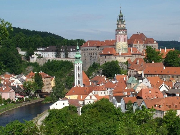 Private relaxed walking tour of Cesky Krumlov Old Town, Tower and Castle Courts