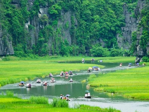 Private tour to visit Hoa Lu Tam Coc known as Halong inland