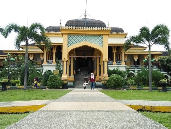 Medan Private City Tour