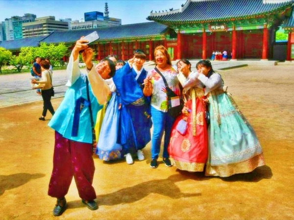 Walk Korea Tours { palace sector }