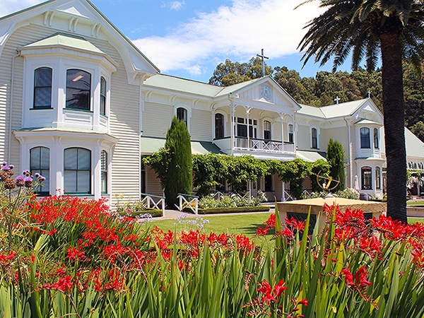 Private Tour - History of Napier City, Art Deco, Wine & Brewery